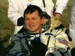 Charles Simonyi landar