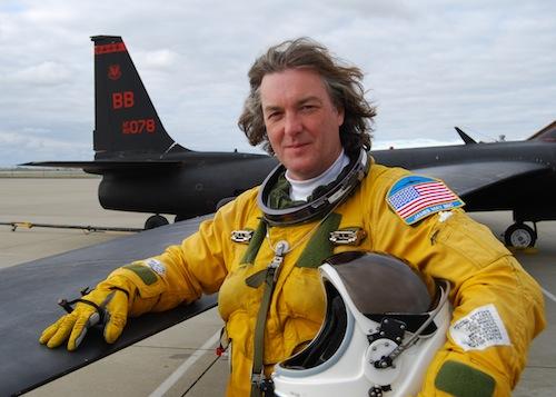 James May flyger till utkanten av rymden