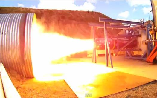 SpaceShipTwos raketmotor klar om någon månad
