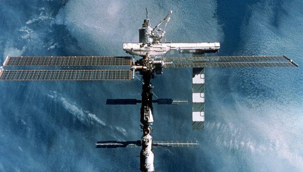 Roscosmos vill skicka 2 rymdturister till ISS efter 2013