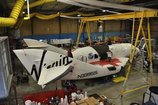 Nya bilder på SpaceshipTwo under utveckling