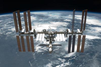 Kommer ryssarna att skicka iväg två rymdturister samtidigt till ISS?