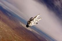 Riskfylld rekordresa till yttre stratosfären där Felix Baumgartner spränger ljudvallen för framtiden