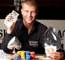 Pokermiljonären vill volta i rymden