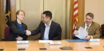 NASA och Virgin Galactic skriver under en överenskommelse för att undersöka framtida samarbeten