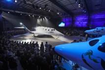 Richard Branson presenterar Virgin Galactics nya rymdskepp VSS Unity
