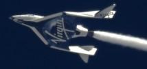 SpaceShipTwo i full fart mot första raketdrivna flygningen