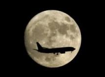 Turister kan komma att åka runt månen 2016-2017
