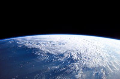 Vy mot Jorden från rymden