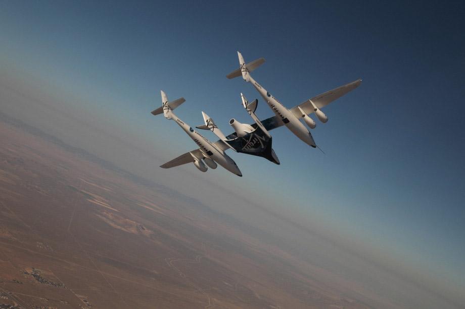 SpaceShipTwo har gjort sin första flygning med besättning ombord